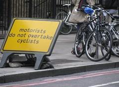 LONDON 2013 pic1109 (streamer020nl) Tags: uk england london sign cyclists gb tooleystreet motorists 2013 up8430