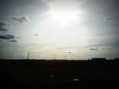 Un da ms...mismo lugar (1) postes (JotaErre) Tags: valladolid cielo nubes torozos nubesdehoy