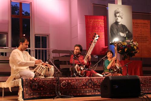 3. Concert-Kartik Seshadri Sitar Ensemble