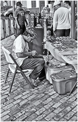 Artesano (JOSEAN GOMEZ) Tags: textures texturas viejosanjuan blancoynegro blackwhite negativo35mm negro men analogue arquitectura adoquines artista sombras streetphotography silverefexpro2 sidewalk streetart silla d76 fotografiacallejera films35mm fotocallejera gente lightroom white 35mm epsonperfectionv500scanner rangefinders texture thefilmgroup thebestpicturegallery urban urbanart oldsanjuan oldsanjuanstreets puertorico minolta7shimatic lenteminoltarokkor