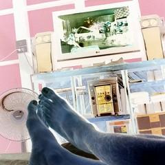 กินนอน กินนอน  มีความรู้สึกว่า อยากนอน ดูทีวี และกินอาหารบนเตียง สักสัปดาห์นึง #รังนอนแดร็กคูล่า