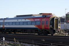 159010 Arrives at Clapham Junction (TheJRB) Tags: uk london train diesel transport rail railway trains rails battersea clapham southwesttrains stagecoach claphamjunction swt 159 sprinter dmu clj brel dieselmultipleunit class159 expresssprinter 159010 1l29