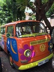 VW Kombi found in Mumbai. (Raj Khosla) Tags: vw volkswagen classiccar peace hippie maharashtra mumbai kombi vintagecars bandra iphone vwkombi iphonecamera peacemobile hippiewagon iphone6