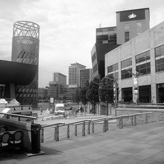 The Lowry and the Lowry Outlet Centre (Adfoto) Tags: city tower architecture buildings square manchester toren salford plein stad architectuur gebouwen manschestershipcanal