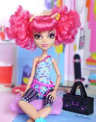 Just Chillin' (Mus Parvulus) Tags: monsterhigh mh howleen danceclass ikeaspexa doll