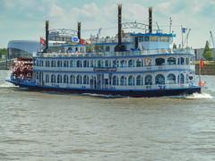 Hamburg Schaufelradschiff Louisiana