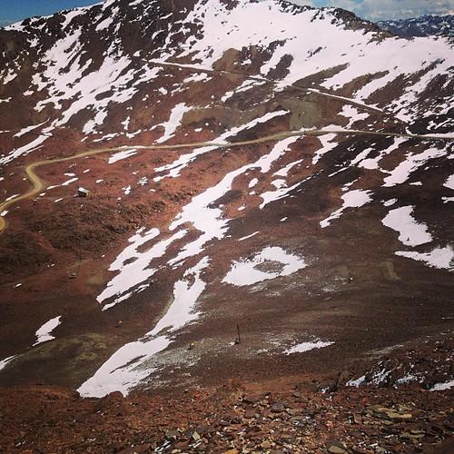 Estaciones Climáticas en  Chacaltaya, no se distinguen bien pero hay muchas en el valle analizando los cambios climáticos #lapaz #bolivia #perubolivia2013 #mochilatrip #montañas #chacaltaya