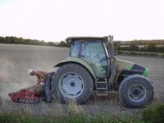 Deutz-Fahr Agrotron tractor (JPC24M) Tags: field burgundy continental cleaning farmer dust campagne pneu tyre champ harrow nettoyage herse paysan poussière nièvre nettoyer agriculteur tracteuragricole ouvrieragricole saintloupdesbois