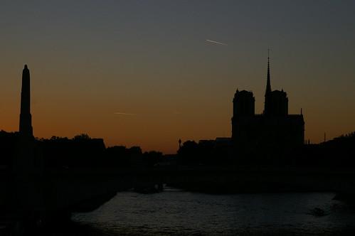 IMGP7942 Coucher de soleil sur Notre-Dame de Paris