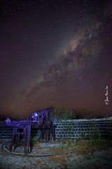 ET Beware (stuckinparadise) Tags: canon fort antique military galaxy blackriver artillery mauritius fortress defence milkyway ilemaurice voielacte stuckinparadise