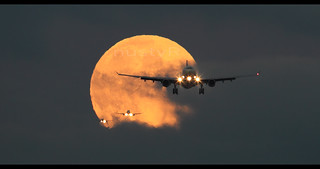 Triple mooncrossing at LHR 19 sep 2013 :)