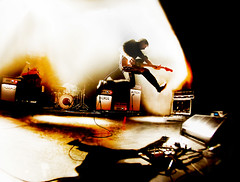 Franz Ferdinand (kirstiecat) Tags: shadow music contrast jump concert live yes band scottish jacqueline vic iconic epic better fisheyelens soldout alexkapranos youcouldhaveitsomuchbetter takemeout konzertfotos thevictheater frankferdinand dartsofpleasure thisfire thedarkofthematine alexanderpaulkapranoshuntley rightthoughtsrightwordsrightaction lastfm:event=3622070