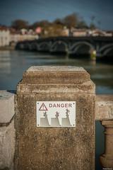 Danger. (Jrme Cousin) Tags: bridge danger river nikon riviere 64 amour pont 28 tamron euskadi bayonne biarritz pyrenees fleuve bab euskal herria atlantiques 2470 anglet herri ladour d700