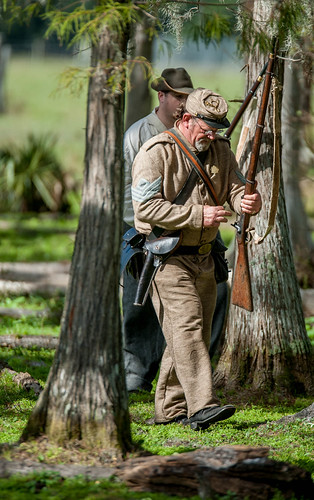 Civil war reenactors in action-4.jpg