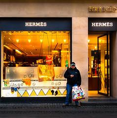 Copenhagen shopping – HERMÈS (outdoorstudio) Tags: copenhagen shopping denmark skandinavien scandinavia danmark windowshopping københavn indkøb