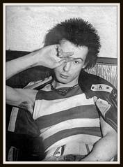 Sex Pistols 0143 (PostCardScan) Tags: punk postcard punkrock pil sidvicious anarchyintheuk stevejones holidaysinthesun johnnyrotten nancyspungen thesexpistols paulcook publicimageltd postcardscan johnlyndon