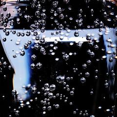 Bubbles (a.penny) Tags: bubbles blasen kohlensäure co2 square quadrat 1x1 500x500 iphone 7 apenny sparkling water wasser sprudel explore