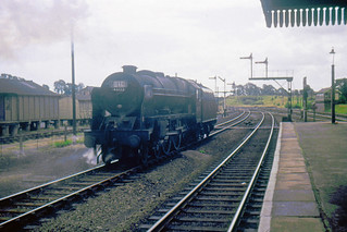 R1768.  46122 at Woodford Halse. (Looking south.)  8th August, 1964.