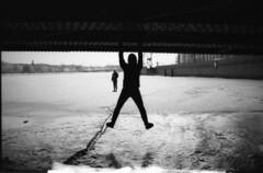 (sele3en) Tags: analog film filmphotography 35mm pan100 ilford pushprocess pushfilm 100push400 pan100push400 rapidfixer ilfotecddx darkroom saintpetersburg russia urban russianwinter winter city bigcitylife march 2017 shootingfilm grain portrait