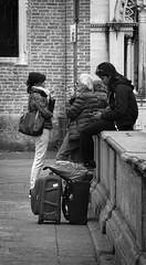 Differenti Conversazioni (r_evolution63) Tags: padova padua veneto italia italy europa europe piazzadelsanto persone persons gente people conversazione conversation chat chatting donna woman uoma man ragazza girl telefono phone cellulare mobile cellular smartphone strada street streetlife streetphotography bn bw bianconero blackwhite grigio grey monocromo monochrome sony dschx400v bagagli luggage trolley trolleys sigaretta sigarette cigarette cigarettes fumatore fumatori smoker smokers