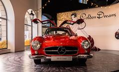 Come fly with me - Golden Mercedes Dreams No. 4 (*Capture the Moment* (OFF till End June)) Tags: 2017 300sl car design farbdominanz flügeltürer fotowalk gear gullwings icon ikone matthias mercedesbenz munich münchen sonya7m2 sonya7mark2 sonya7ii sonyfe1635mmf4zaoss red rot