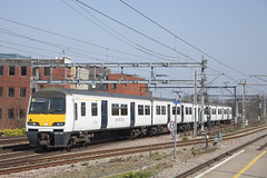LON_373 (Stuart's Transport) Tags: greateranglia abellio aga london train electric uk emu electricmultipleunit class321 ga 321327 romford