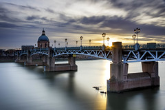 Toulouse Sunset #explore (Fabien Georget (fg photographe)) Tags: bridge pont pontsaintpierre sunlighttoulouse water landscape paysage sky ayezloeil beautifulearth bigfave canoneos600d canon elitephotography elmundopormontera eos fabiengeorget fabien fgphotographe flickr flickrdepot flickrunited georget geotagged flickunited winter mordudephoto nature paysages perfectphotograph perfectpictures wondersofnature wonders supershot supershotaward theworldthroughmyeyes shot photography photo greatphotographer french bluehour sunset blue hour heure bleue occitanie midipyrénnées eau waterscape