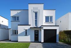 Graces Walk, Frinton Park Estate (charlieinskip) Tags: park house art estate deco modernist frinton