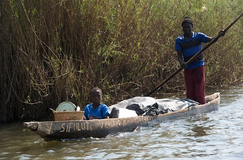 Going to market on the Barotse floodplain, Zambia. Photo by Patrick Dugan, 2012.