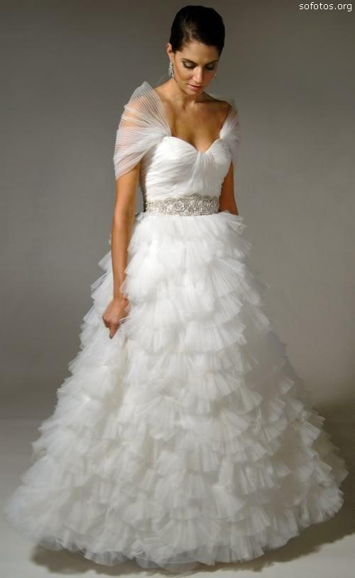 Vestido para noiva com babados
