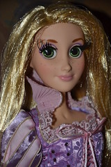 Raiponce Limited Edition Doll 752 / 5000 (MissLilieDolly) Tags: doll princess mother disney collection 5000 pascal dolly miss limited edition rider rapunzel lilie maximus flynn princesse mre eugne 752 fitzherbert limite gothel raiponce missliliedolly