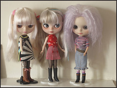It's Dolly Shelf Sunday again!