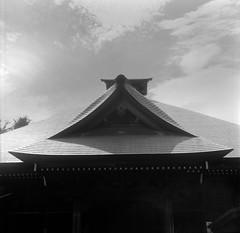 (Osamu Sakaguchi) Tags: sky bw japan architecture kodak 400tx flexaret6