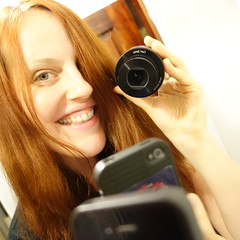 selfportrait tech sony selfie qx100 mobilephotography... (Photo: Vivienne Gucwa on Flickr)