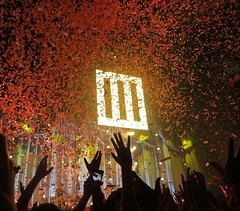 Paramore - Wembley Arena (KaRmAChAnG) Tags: music london riot concert gig arena now wembley ignorance paramore hayleywilliams jeremydavis allweknowisfalling thatswhatyouget tayloryork crushcrushcrush miserybusiness aintitfun brandneweyes paratour stillintoyou lastfm:event=3593863