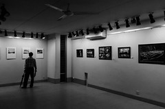 Inspiring visitor (AvikBangalee) Tags: blackandwhite umbrella hall frames gallery photographer display contest competition master photographs ttl dhaka visitor legend bangladesh outofthebox dhanmondi photographyexhibition throughthelens nasiralimamun throughthelensbangladesh drikgallery outoftheboxiv