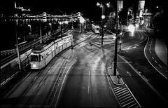 Budapest - clap de fin (Punkrocker*) Tags: street leica city travel film night 35mm hungary kodak trix budapest nb 1600 summicron pushed asph m7 hongrie 352 bwfp