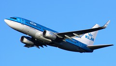 PH-BGW (AnDyMHoLdEn) Tags: klm 737 egcc airport manchester manchesterairport 23r