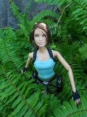 DSCN2570 (happy_tusya) Tags: thailand doll lara croft mattel katniss