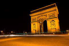 Arc de Tiomphe at night, Paris. (cookiesound) Tags: city nightphotography trip travel inspiration paris france building travelling skyline architecture night canon photography reisen frankreich fotografie nightscape documentary sight arcdetriomphe travelphotography traveldiary travelphotographers cookiesound nisamaier ulrikemaier ullimaier reisefotografen