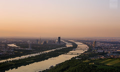 Vienna at daybreak (desomnis) Tags: vienna wien city beautiful sunrise landscape dawn austria österreich europe horizon dawning sonnenaufgang danube sunup daybreak danuberiver donau desomnis