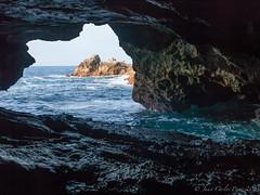 Cueva Playa El Cobijeru (Juakifoto) Tags: sea espaa mar asturias cave llanes cueva buelna principadodeasturias