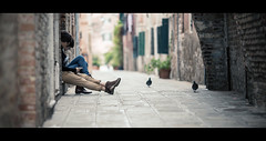 37/52 Two pair (Orione59) Tags: street people urban italy canon photography bokeh streetphotography cinematic ef135mmf20 5dmarkii 5dmk3 orione1959 52weekofstreet orionephotographer