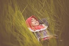 DSC_9811 (mohdhanafiah) Tags: portrait green grass kid dof bokeh malaysia terengganu nikond40 manir vscofilm nikkorafs85mmf18g