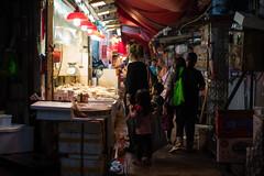 Mongkok, Hong Kong /  (kelvintkn) Tags: street leica people colour night digital hongkong 50mm asia sony fullframe mongkok summilux manualfocus primelens mirrorless a7r leicasummiluxm50mm vision:outdoor=0732