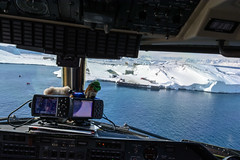 On Finals #3 (Kenners) Tags: antarctica autoupload dash7 inboundflight
