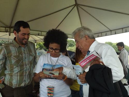 Deputado Antônio Roberto conversa com ativistas sobre leis em defesa dos animais