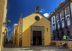 Plaza con Iglesia / Square with CHurch (Lpez Pablo) Tags: urban church grancanaria canaryislands laspalmas