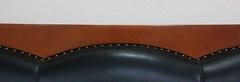 Canapé (Pi-F) Tags: noir blanc marron bois cuir clou courbe droite siège canapé coussin tête 3 trois abstrait ligne oblong composition texture
