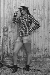 ©2016 Majyne (Majyne) Tags: modèle country ferme paille femme campagne photo photography photographie photographe porte grange dansecountry femmecountry themecountry charente nersac france